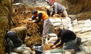 Ausgrabungen im Hohle Fels Schwäbische Alb